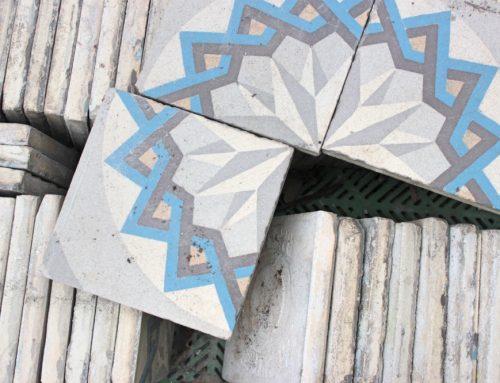 Requisiten & Dekoration: Historische Baustoffe und antike Materialien