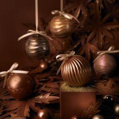 Styling & Konzept Weihnachtskugeln aus Schokolade
